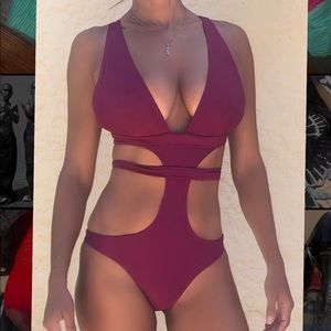Brand NEW cut out bathing suit by Zaful